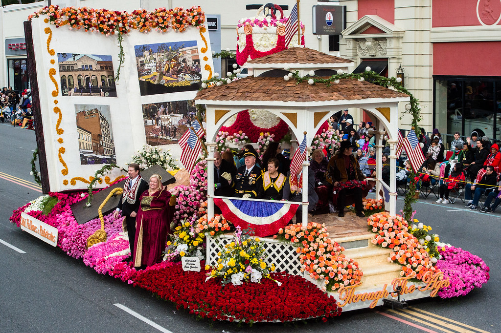 . Odd Fellows and Rebekahs �Through The Ages� on Colorado Blvd. during the 2017 Rose Parade in Pasadena on Monday, January 2, 2017. (Photo by Watchara Phomicinda, San Gabriel Valley Tribune/ SCNG)