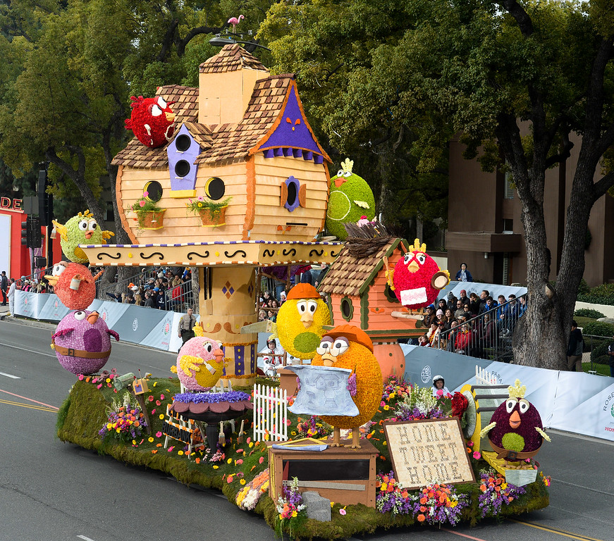 """. The City of Burbank float \""""Home Sweet Home\"""" during the Rose Parade on Colorado Blvd. in Pasadena, Calif. on Monday,  January 2, 2017.  (Photo by Leo Jarzomb/Pasadena Star News/SCNG)"""