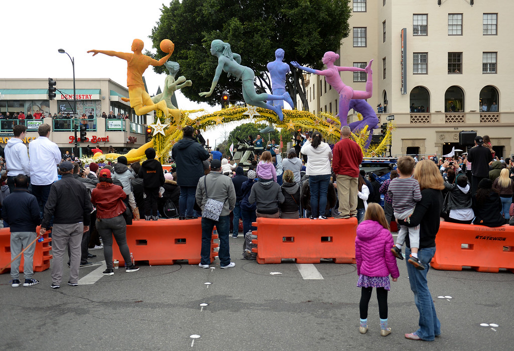 . People view the 24 Hour Fitness float from Mentor Ave. at Colorado Blvd. during the Rose Parade on Colorado Blvd. in Pasadena, Calif. on Monday, Jan. 2, 2017. (Photo by Dean Musgrove, Pasadena Star-News/SCNG)