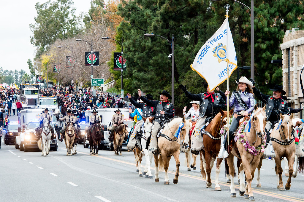 . Kern County Sheriff�s Mounted Posse on Colorado Blvd. during the 2017 Rose Parade in Pasadena on Monday, January 2, 2017. (Photo by Watchara Phomicinda, San Gabriel Valley Tribune/ SCNG)