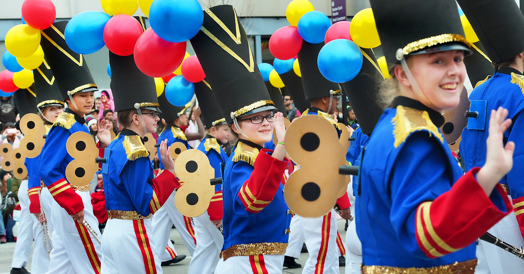 """. Ooltewah High School Marching Band, from Ooltewah, Tennessee wearing costumes of toy soldiers during the 128th Rose Parade \""""Echoes of Success\"""". (Photo by Walt Mancini/SCNG)"""