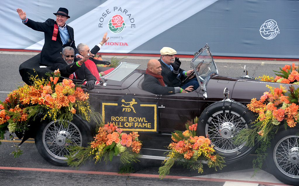 . Rose Bowl Game Hall of Fame inductees during the Rose Parade in Pasadena, Calif. on Monday, Jan. 2, 2017.  (Photo by Leo Jarzomb, SGV Tribune/ SCNG)
