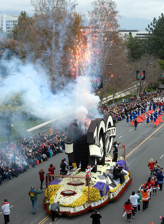 . The National Hockey League float during the Rose Parade on Colorado Blvd. in Pasadena, Calif. on Monday,  January 2, 2017.   (Photo by Keith Durflinger/Pasadena Star News/SCNG)