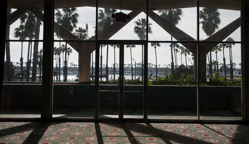 . Seaport Marina Hotel abruptly shut its doors this week in Long Beach Wednesday, February 1, 2017. The 54-year-old hotel, which sits at the gateway to Long Beach from its OC border with Seal Beach, has fallen in disrepair over the years. (Photo by Thomas R. Cordova, Press-Telegram/SCNG)