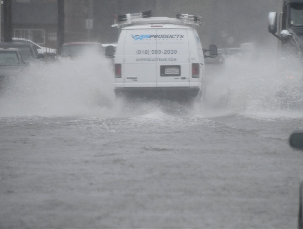 . Feb 17,2017. van nuys Ca.  Cars make their way through flooded streets  from todays powerful storm to hit the Southland in seven years is moving across the region, bringing heavy winds, snow and torrential rain that has raised the specter of flash flooding.   Photo by Gene Blevins/LA DailyNews/SCNG