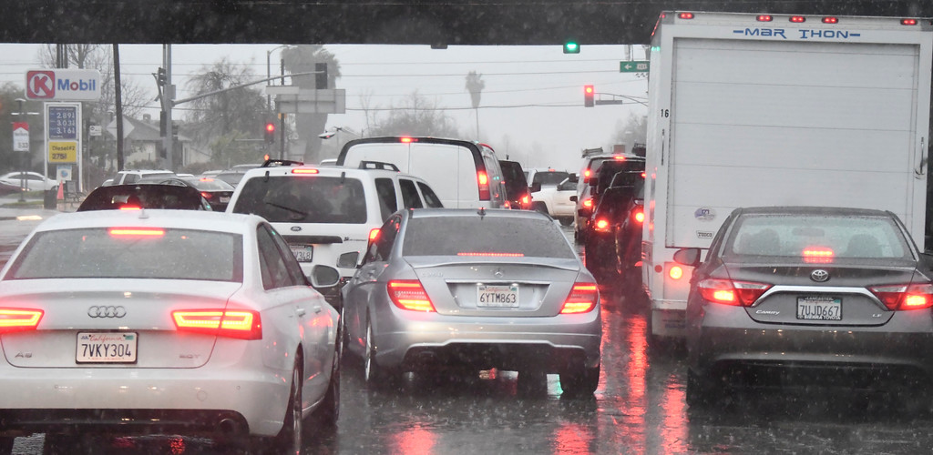 . Feb 17,2017. van nuys Ca.  Traffic jams along White Oak from todays powerful storm to hit the Southland in seven years is moving across the region, bringing heavy winds, snow and torrential rain that has raised the specter of flash flooding.   Photo by Gene Blevins/LA DailyNews/SCNG