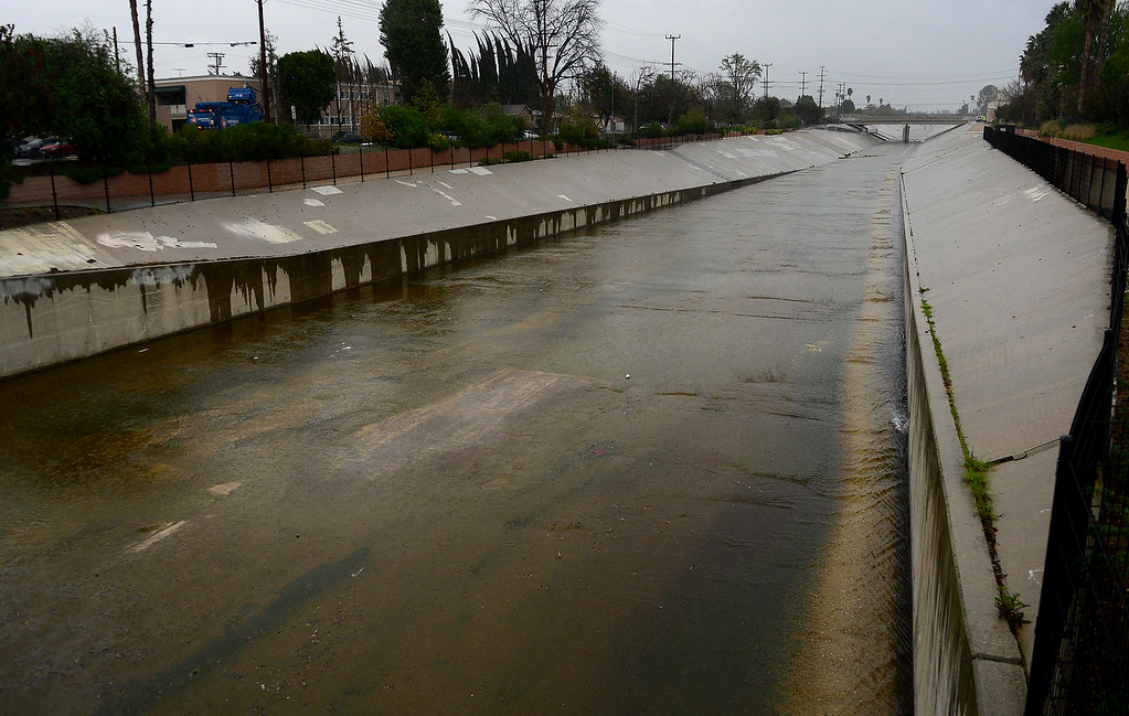 . The L.A. River as it passes Owensmouth Ave. in Canoga Park at 8 a.m. on Friday Morning, February 17, 2017.  (Photo by Dean Musgrove, Los Angeles Daily News/SCNG)