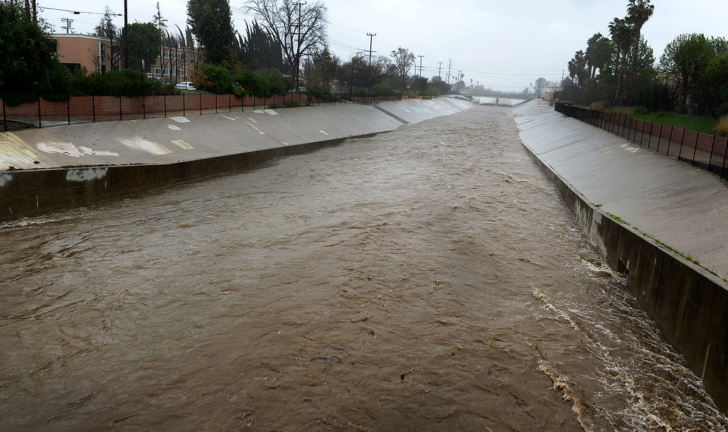 . The L.A. River as it passes Owensmouth Ave. in Canoga Park about Noon on Friday Morning, February 17, 2017.  (Photo by Dean Musgrove, Los Angeles Daily News/SCNG)