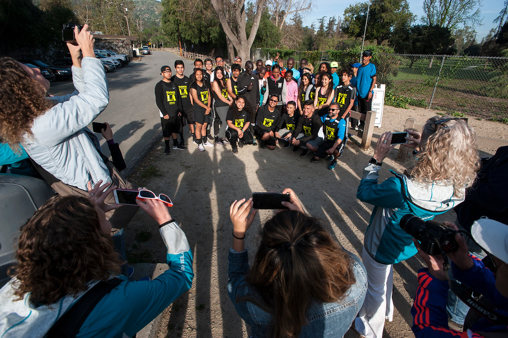 . Students Run LA\'s teens and coaches gather for a photograph with elite marathon runners from Kenya at Griffith Park in Los Angeles on Friday, March 17, 2017. (Photo by Ed Crisostomo, Los Angeles Daily News/SCNG)