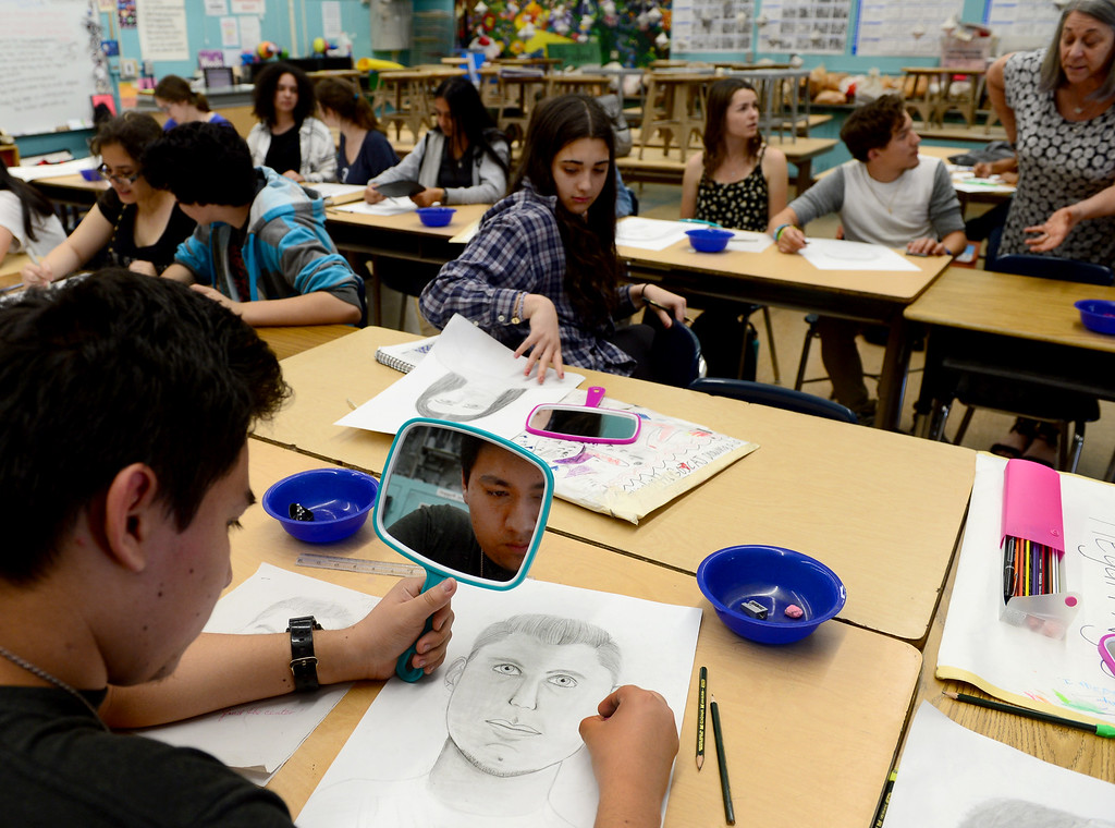 . High school students at Sherman Oaks Center for Enriched Studies (SOCES) work on self portraits during an art class on Wednesday, April 19, 2017.  California middle and high schools earned state gold ribbon awards. The honor, which replaces the California Distinguished Schools program that is on hiatus, is given for model programs that include standards-based activities, projects, strategies and practices.