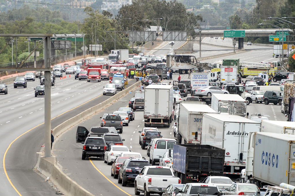 . A deadly crash involving several vehicles and a big rig shut down both north and southbound lanes of the I-5 Freeway in Glendale at Colorado street Tuesday, April 25, 2017.   ( Photo by David Crane, Los Angeles Daily News/SCNG)