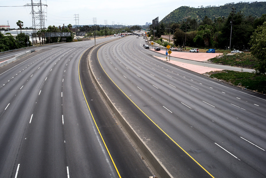 . A rare empty I-5 freeway after a deadly crash involving several vehicles and a big rig shut down both northbound and southbound lanes of the I-5 Freeway in Glendale at Colorado street Tuesday, April 25, 2017.   ( Photo by David Crane, Los Angeles Daily News/SCNG)