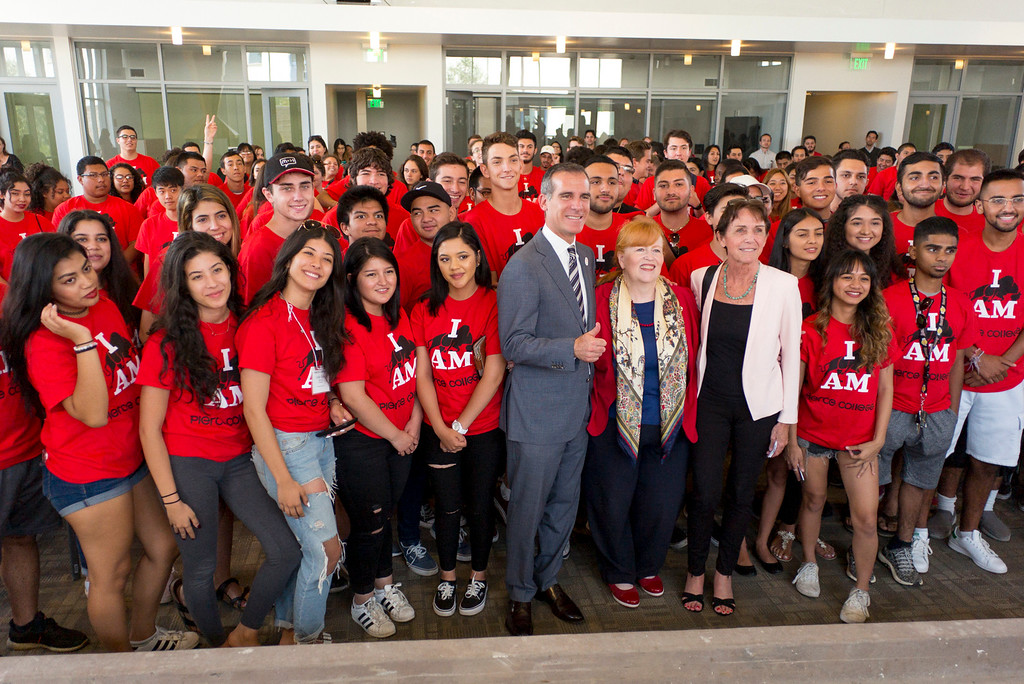 ". Los Angeles mayor Eric Garcetti, Pierce College President Dr. Kathleen Burke-Kelly and Susan Allan of the LAUSD pose with ""Promise\"" students enrolled in the Los Angeles College Promise at Pierce College Wednesday.  The Los Angeles College Promise was created to increase the number of community college graduates, university transfer and workforce-ready students throughout our region. ( Photo by David Crane, Los Angeles Daily News/SCNG)"