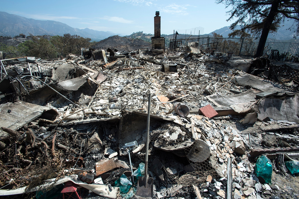 . A destroyed home sits along the path of the La Tuna Fire on Verdugo Crestline Drive near Tujunga on Tuesday, Sept. 5, 2017. (Photo by Ed Crisostomo, Los Angeles Daily News/SCNG)