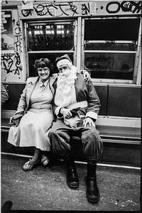 1981 Sidewalk Santa NYC_1115