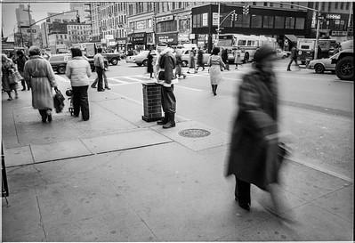 1981 Sidewalk Santa NYC_1122