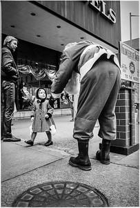 1981 Sidewalk Santa NYC_1121