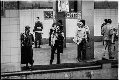 1981 Sidewalk Santa NYC_1114