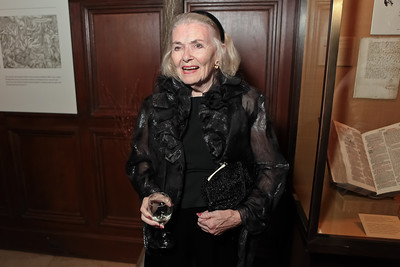 Donna Shore.  2011 PEN/Faulkner Foundation Gala at Folger Shakespeare Libra. September 26, 2011. Photo by Alfredo Flores