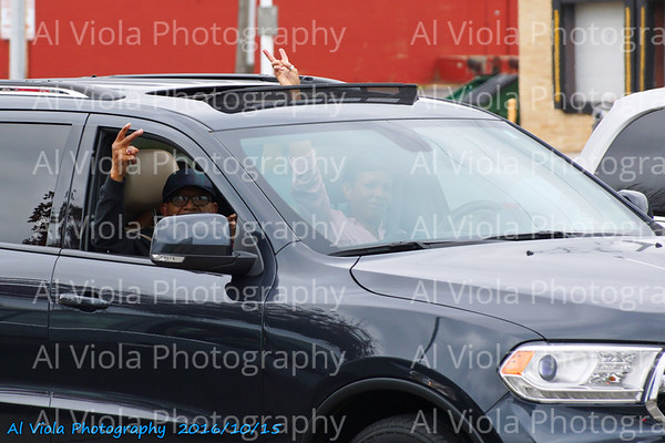 2016-10-15 Drive by Peace Signs