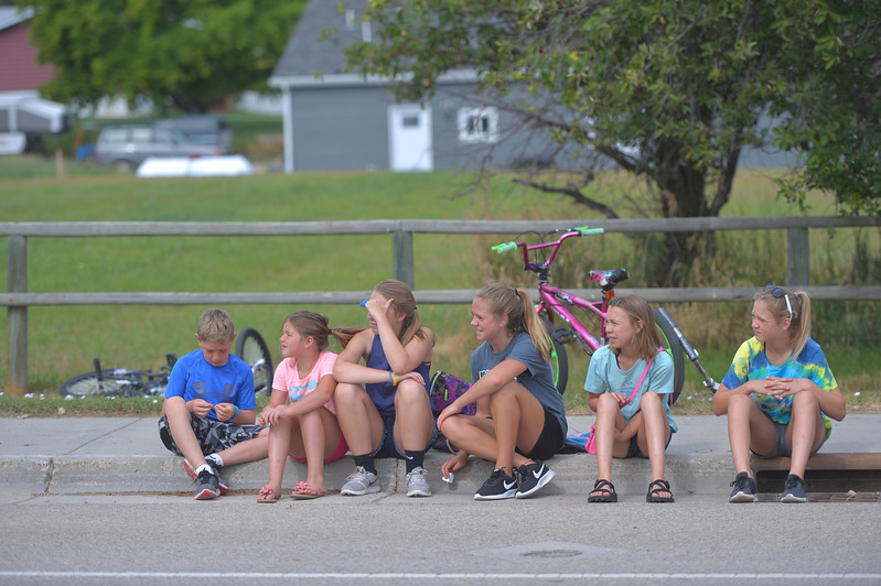 Justin Sheely | The Sheridan Press<br /> Children watch the approaching parade floats during the annual Dayton Days Parade on Saturday.