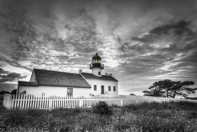 Lighthouse- 8155 BW hdr