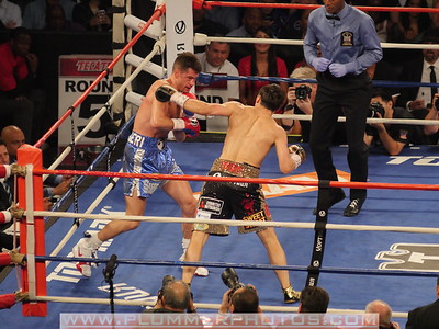 Boxing 2014 - Chris Algieri Defeats Ruslan Provodnikov by Split Decision