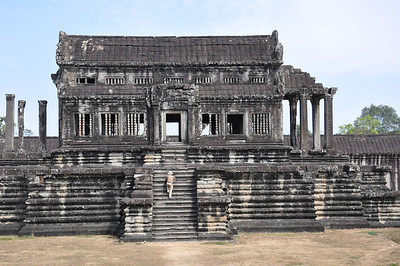 One of the 5 libraries of Angkor Wat