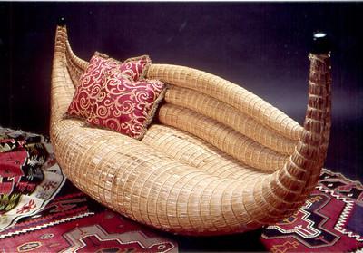 totora bench