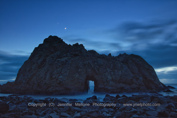 Venus and Crescent Moon over Keyhole Arch