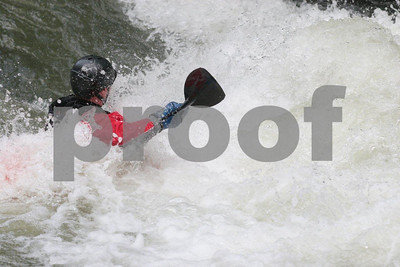 White water kayaking 4175