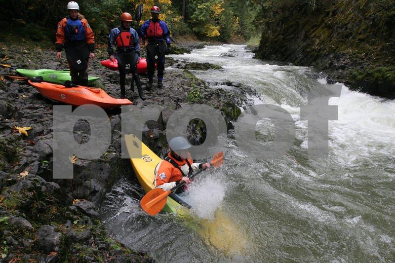 White water kayaking 4147