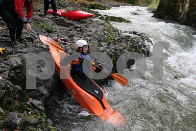 White water kayaking 4164
