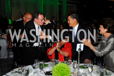 Gen.Eric Shinseki,Patty Shinseki,Bob Woodruff Foundation/Stand Up For Heroes,June 16.2011,Kyle Samperton
