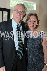 Faye Cohen, Larry Yumkas. Photo by Alfredo Flores Book party for Carol Joynt Innocent Spouse A Memoir hosted by Ellen Charles May 19, 2011