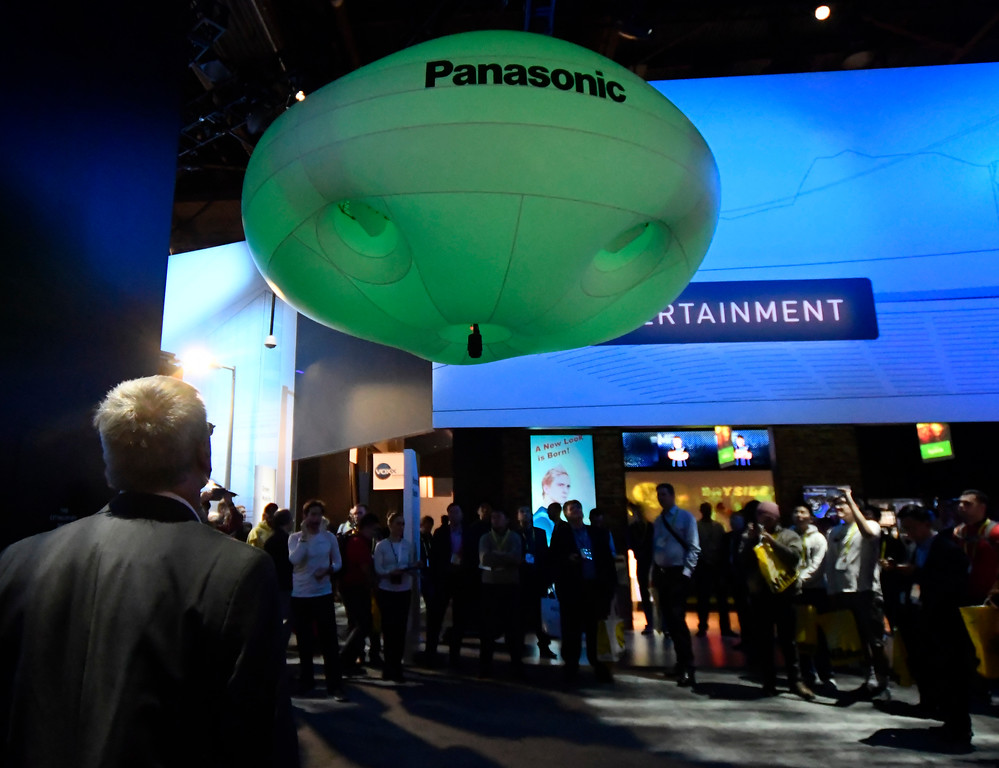 . Jan 6, 2017. Las Vegas NV. Panosonic blimp camera flies over the show during Day 2 of the 2017 CES show. CES  celebrates it\'s 50th anniversary this year with a estimated 175,000 to attend the four day show that starts Jan 5th to the 8th. Photos by Gene Blevins/LA Daily News/SCNG
