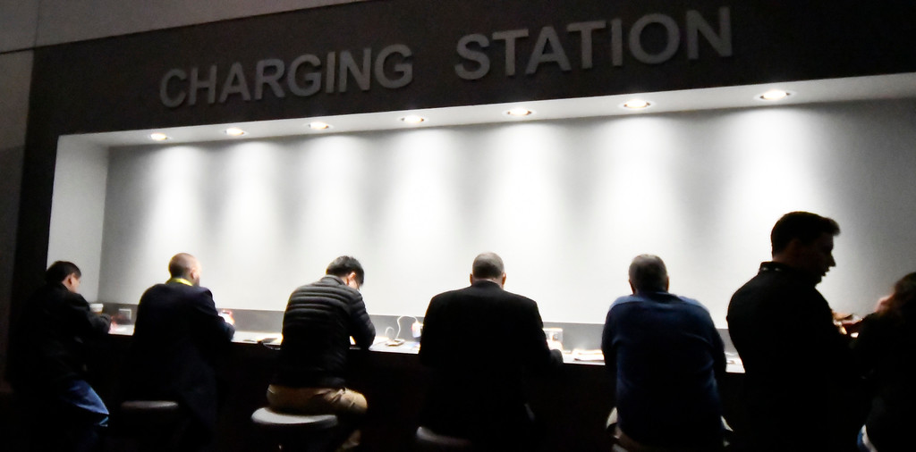 . Jan 6, 2017. Las Vegas NV. CES attendees jam up the charging stations  during Day 2 of the 2017 CES show. CES  celebrates it\'s 50th anniversary this year with a estimated 175,000 to attend the four day show that starts Jan 5th to the 8th. Photos by Gene Blevins/LA Daily News/SCNG