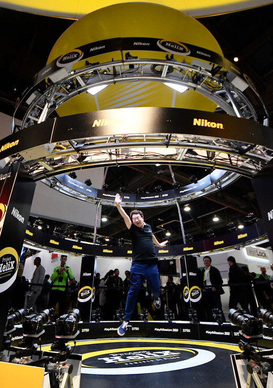 . Jan 6, 2017. Las Vegas NV. CES attendees jump in the air to be photograph  by the Helix camera system during Day 2 of the 2017 CES show. CES  celebrates it\'s 50th anniversary this year with a estimated 175,000 to attend the four day show that starts Jan 5th to the 8th. Photos by Gene Blevins/LA Daily News/SCNG