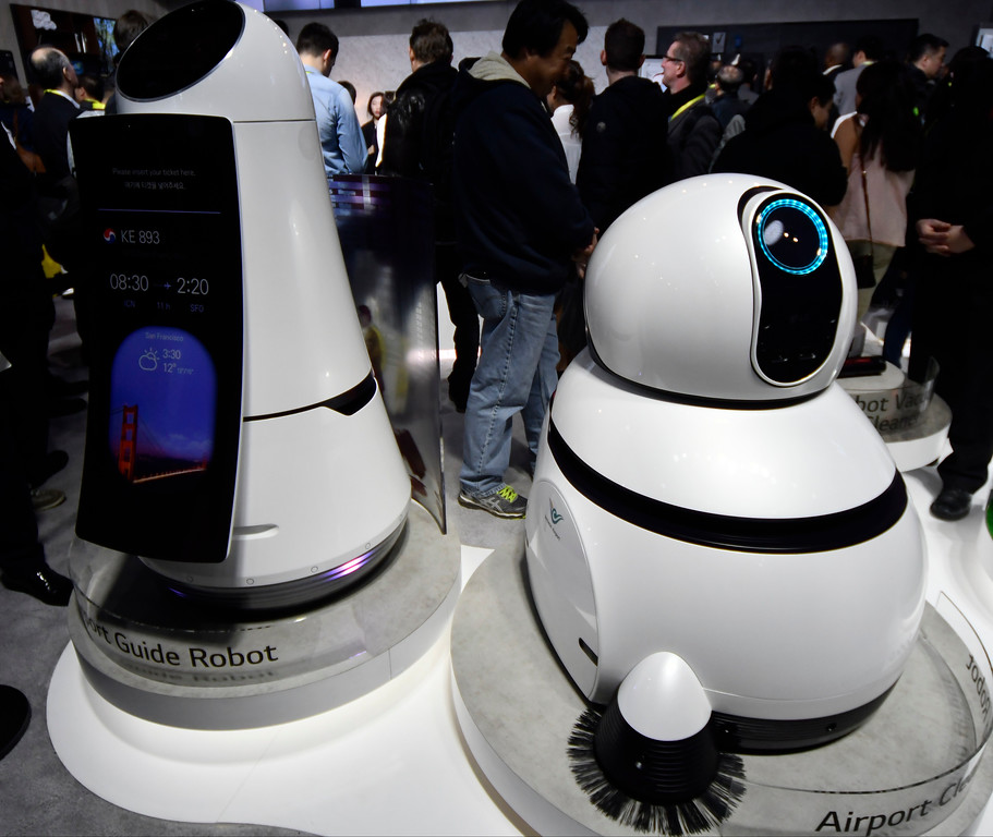 . Jan 6, 2017. Las Vegas NV. CES attendees check out the LG robots for house and business cleaning during Day 2 of the 2017 CES show. CES  celebrates it\'s 50th anniversary this year with a estimated 175,000 to attend the four day show that starts Jan 5th to the 8th. Photos by Gene Blevins/LA Daily News/SCNG