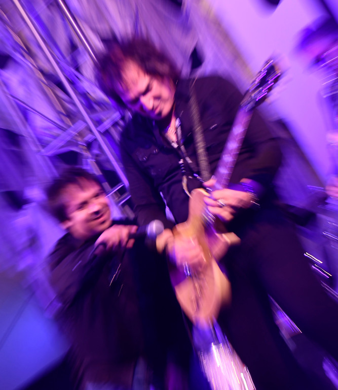 . Jan 6, 2017. Las Vegas NV.  REO Speedwagon\'s  lead guitarist Dave Amato jams on a gold and diamond gibson guitar at the Gibson booth during day 2 at the 2017 CES show. CES  celebrates it\'s 50th anniversary this year with a estimated 175,000 to attend the four day show that starts Jan 5th to the 8th. Photos by Gene Blevins/LA Daily News/SCNG