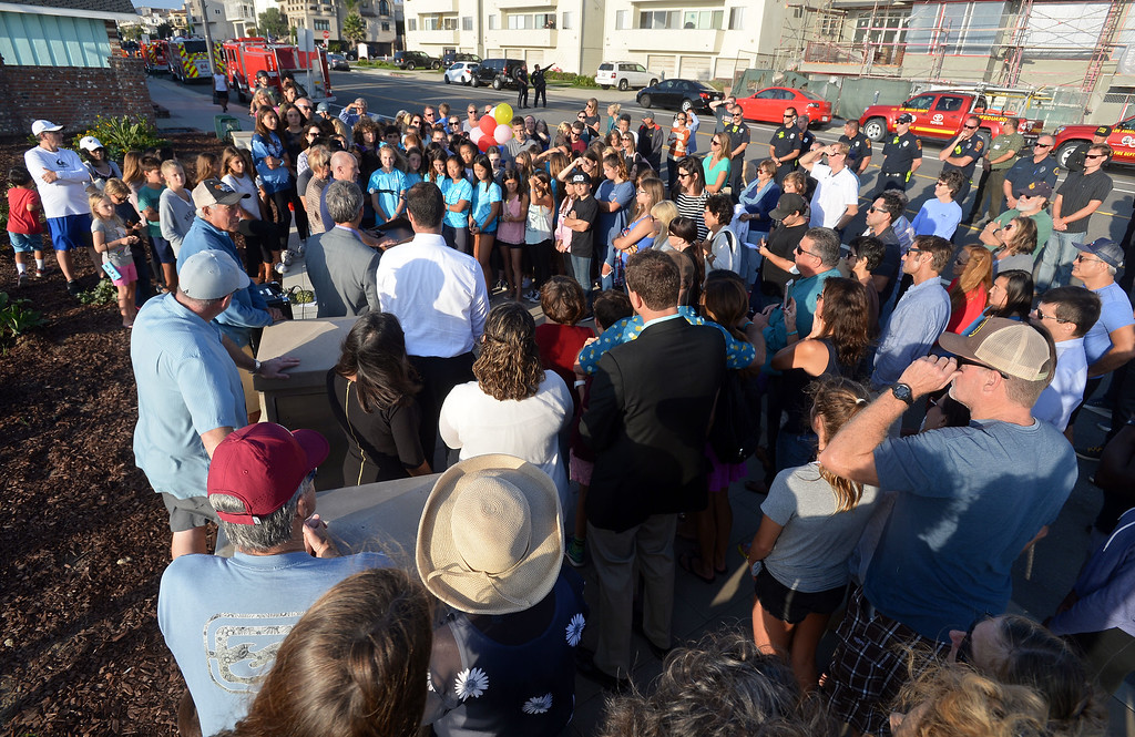 . Several dozen friends, family and others gather on Esplanade near Knob Hill Avenue to dedicate a bench and garden in the memory of 13-year-old Ciara Smith in Redondo Beach on Wednesday, September 20, 2017. Smith was killed in May when she was struck by a bus as she was riding a bike with a friend nearby on Pacific Coast Highway. (Photo by Scott Varley, Daily Breeze)