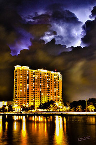 325_lightning_downtown_tampa_HDR2