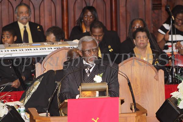 Rev. John Gilmore introduces the speaker during the installation service of Rev. Dr. Bruce Davis on Sunday, February 26, 2012 in Newburgh, NY. Hudson Valley Press/CHUCK STEWART, JR.
