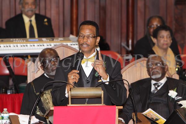 Rev. Dr. Bruce Davis, Sr. offers remarks during his installation service at Ebenezer Baptist Church on Sunday, February 26, 2012 in Newburgh, NY. Hudson Valley Press/CHUCK STEWART, JR.