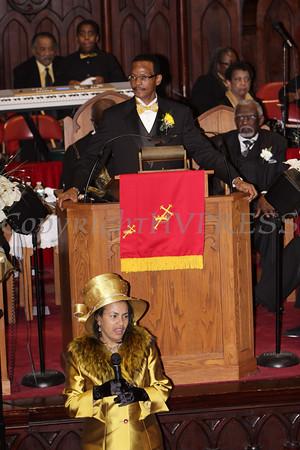 First Lady Sabrina Davis offers remarks during the installation service of her husband Rev. Dr. Bruce Davis, Sr. at Ebenezer Baptist Church on Sunday, February 26, 2012 in Newburgh, NY. Hudson Valley Press/CHUCK STEWART, JR.