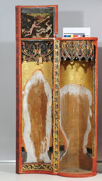 Zwischenzustand: Hegner Altar. linker Flügel, nach Entfernen von Übermalungen und mit gekitteten Ausbrüchen AAF_1484_10-08-2012