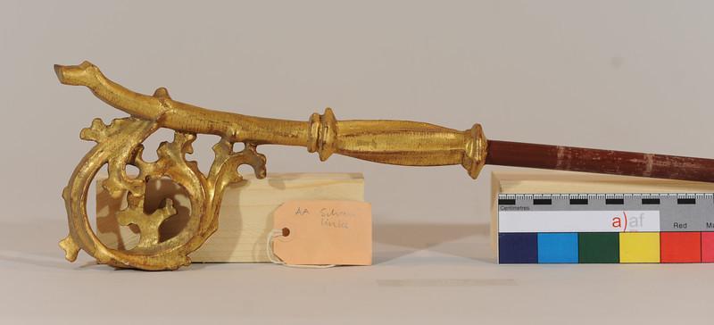 Vorzustand: Anna Altar, Schrein links, Krummstab des Hl.Gallus? AAF_0487_08-06-2011