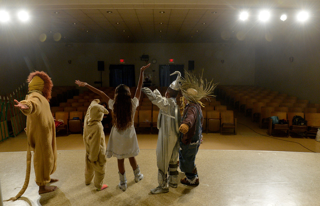 ". Students at Starr King Elementary School rehearse for the musical ""The Wiz,\""  which will be the first play at the school in more than a decade in Long Beach, CA. Tuesday June 3, 2014. The play will premiere at the school on Friday. (Thomas R. Cordova-Daily Breeze/Press-Telegram)"