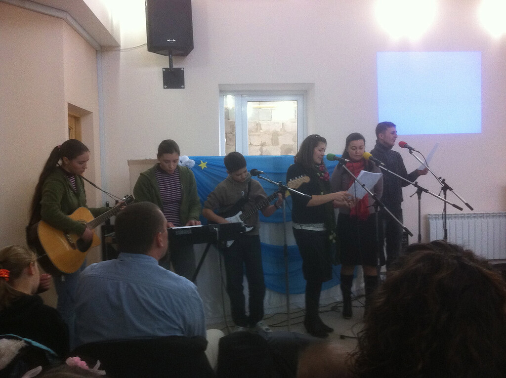 Christmas morning service, focused on a time for the children. The church was packed, with many children.