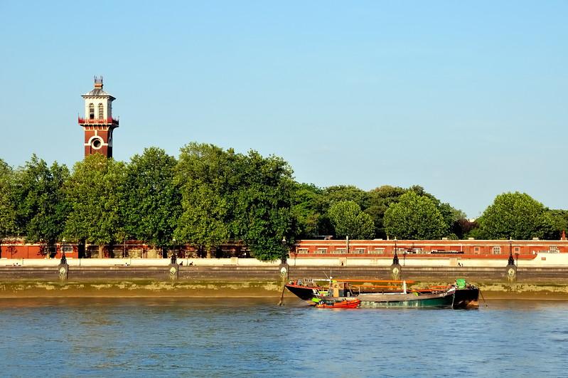 Along the Thames - London, England